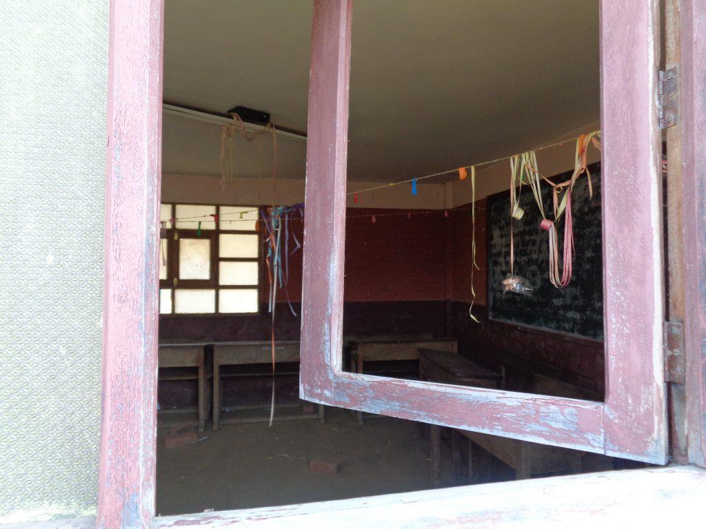 Blick in ein Klassenzimmer der Dorfschule